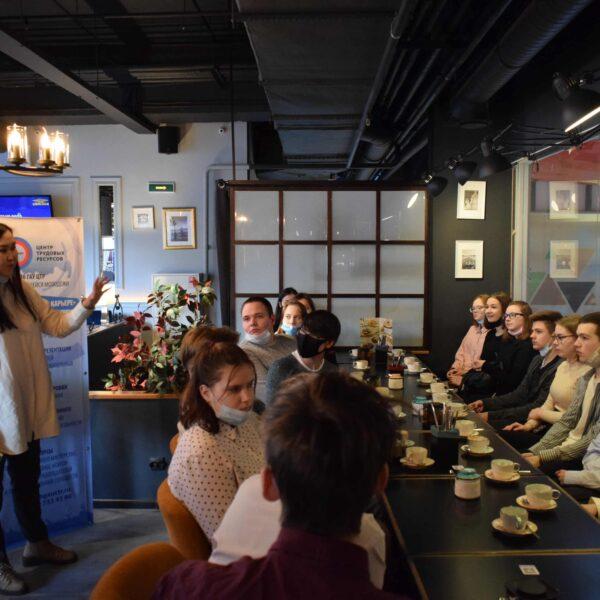 Тренинг менеджер Евразии Екатерина Петрова рассказывает о современных принципах обслуживания клиентов