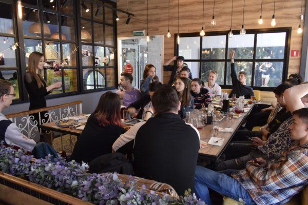 17 мая 2019 года СПб ГАУ ЦТР совместно с сетью ресторанов «Евразия» провел профориентационное мероприятие для студентов колледжа бизнеса и технологий СПбГЭУ