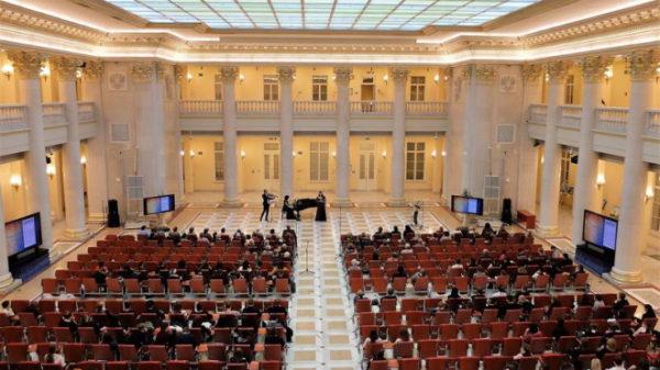 Волонтеры проекта «Твой первый шаг в карьере» на 9 международном музыкальном фестивале «Петербургские набережные»